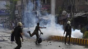 Pakistan : violents heurts entre policiers et manifestants anti-Français