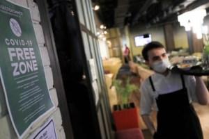 Covid-19 : la ville de Moscou va instaurer un pass sanitaire pour l'accès aux restaurants
