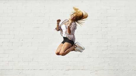 القفز  دقائق في الأسبوع يقي النساء من هشاشة العظام