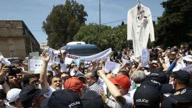 القطاع النافع الجزائري يعلن إضرابا عاما دعما للحراك الشعبي 11