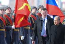 عون يضع إكليلا من الزهور على نصب الجندي المستور العلو موسكو 7