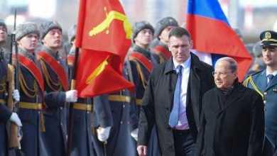 عون يضع إكليلا من الزهور على نصب الجندي المستور العلو موسكو 11