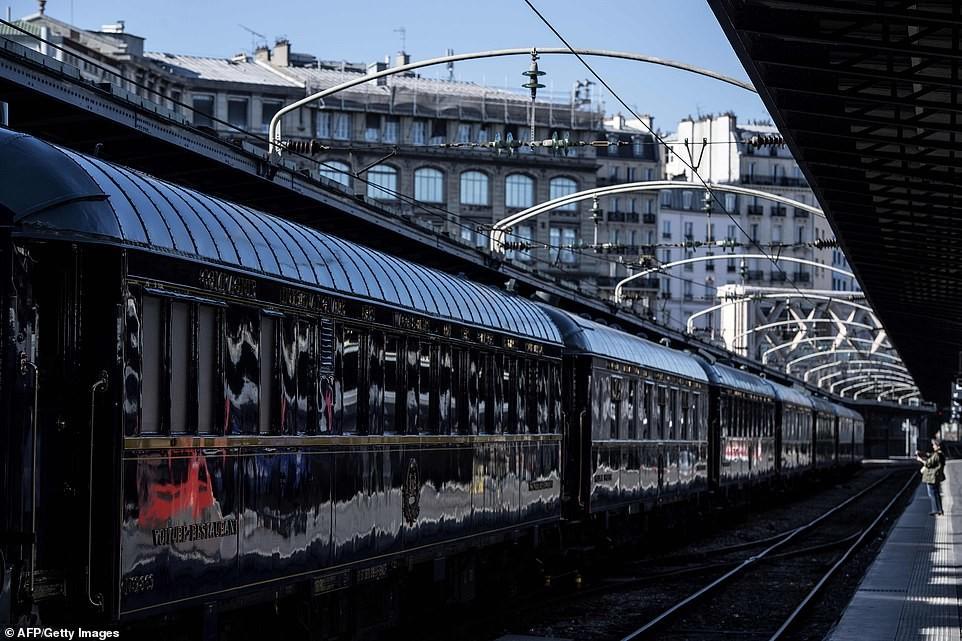 بعد أكثر من أربعون عاما.. فرنسا ترمم أقدم وأفخم قطار بالعالم (صور)