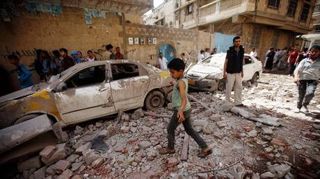 """Arab coalition recognizes the possibility of an """"accidental incident"""" in the bombing of Sanaa today"""