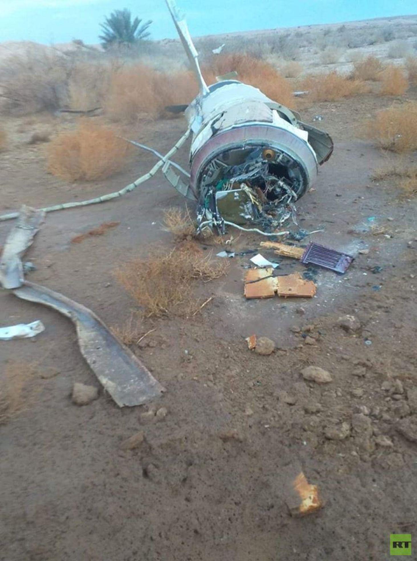 أجزاء من الصواريخ الإيرانية التي سقطت غربي العراق (صور)