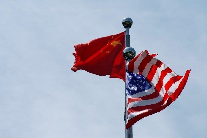 Oil prices drop amid tension between the United States and China