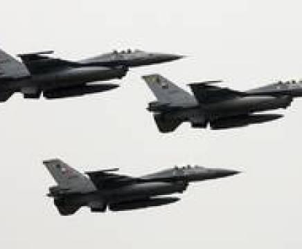 """مراسلنا: مقاتلات تركية تعترض 6 طائرات حربية يونانية من نوع """"F-16"""" thumbnail"""