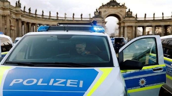 Germany closes Berlin and major cities to contain Corona
