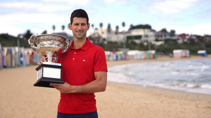 A pregnant woman asks Djokovic to sign an unforgettable part of her body (photo)