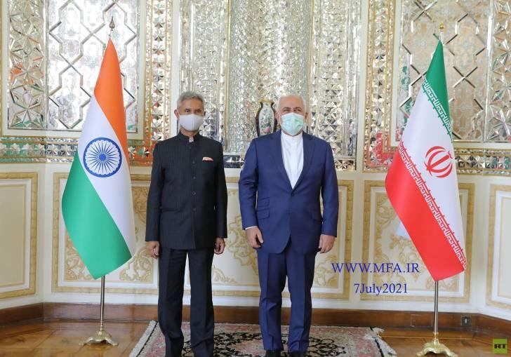وزير الخارجية الإيراني يلتقي نظيره الهندي في طهران (صور)