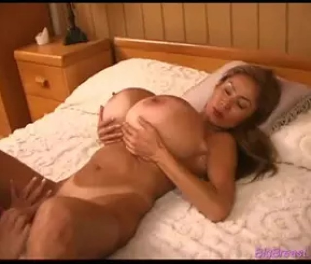 Two Lesbian Whores With Gigantic Boobs Are Licking And Fucking Each Others Pussy