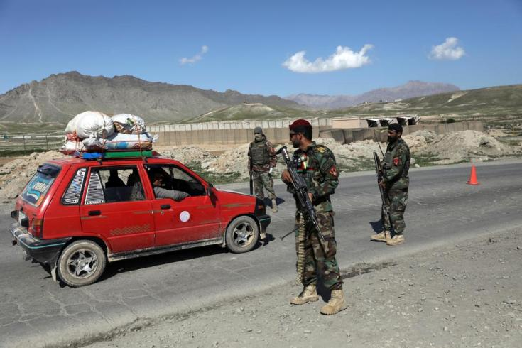 Afghan national army (ANA) soldiers, who guard checkpoints and posts in northern Afghanistan, were challenged by local elders not to fight against the Taliban.