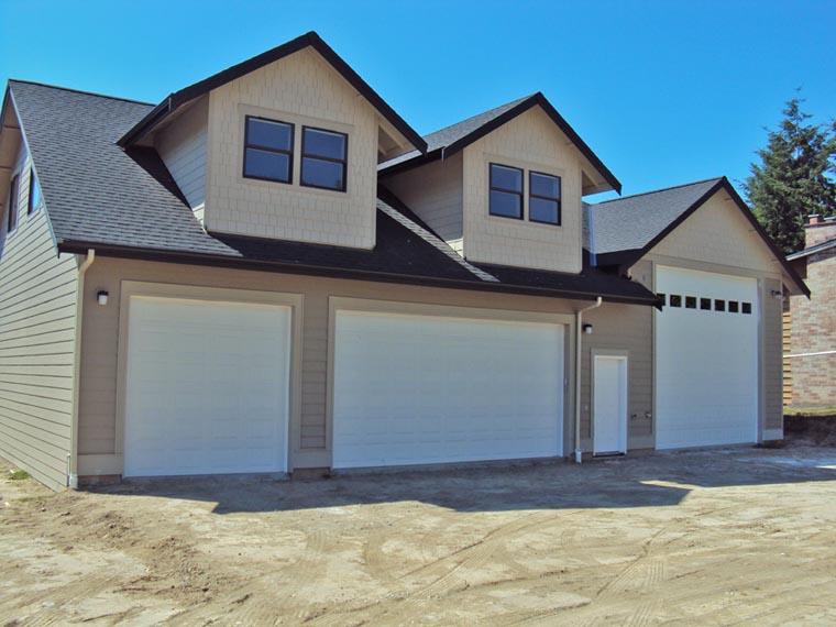 Garage Plan 85204 3 Car Garage Apartment Traditional Style