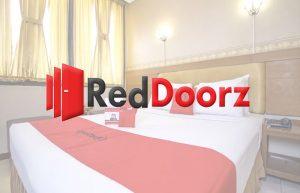 aplikasi booking hotel reddoorz