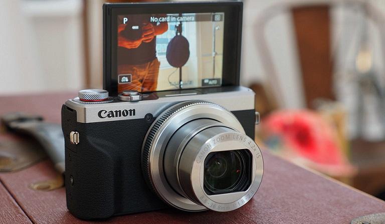 Review 4 Kamera Canon Terbaik Untuk Tahun 2021