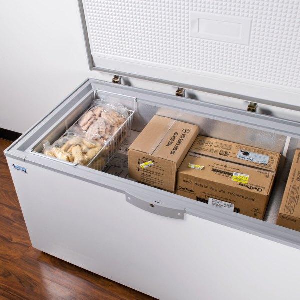 Avantco Cf18 18 Cu. Ft. Commercial Chest Freezer