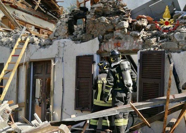 """Shpërthimi """"misterioz"""" rrëzon shtëpinë dy"""