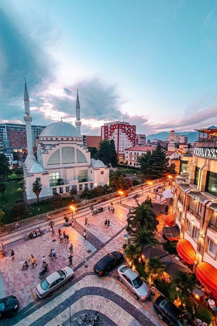 Rrëfime për 'Pse e duam Shqipërinë'