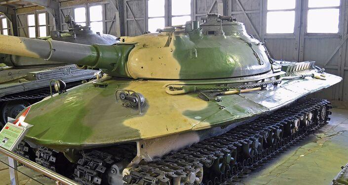 Il T-90M Proryv coadiuverà il supercarro russo Armata - Sputnik Italia