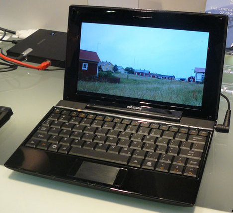 Netbook Drama: Arm Might Surpass Intel by 2012