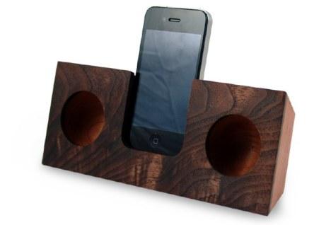 Koostik Wooden iPhone/iPod Dock