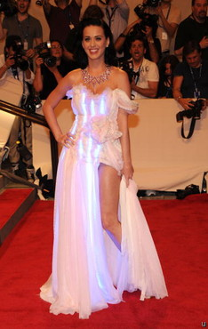 Katy Perry dolled up in CuteCircuit dress