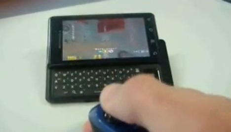 Quake 3 Played On Motorola Droid With Zeemote Bluetooth Controller