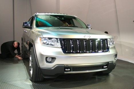 2010 Jeep Grand Cherokee is a Wi-Fi hotspot on wheels
