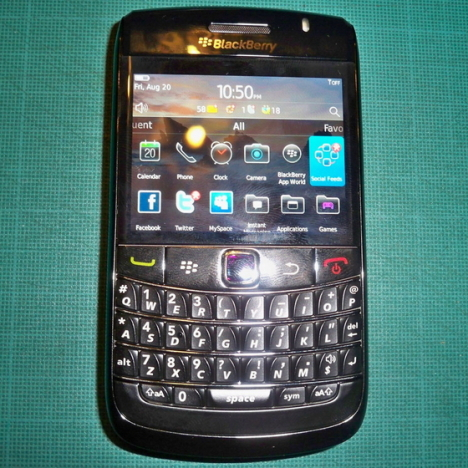 BlackBerry Bold 9780 Pictured With OS 6 Again