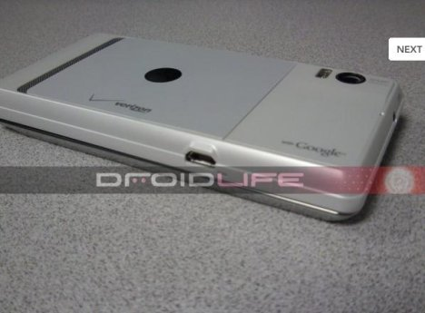 Moto Droid 2 Global Pictured And Benchmarked With 1.2GHz Processor