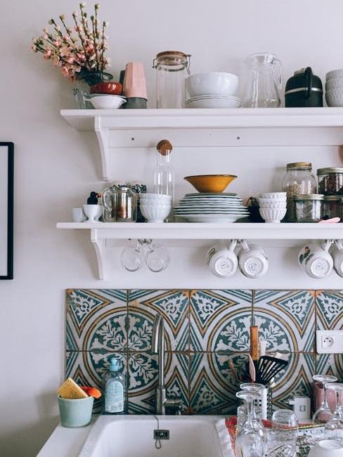 A volte si pensa, al momento di ristrutturare e arredare casa, che ad ogni ambiente corrispondano determinati colori standard: Colore Delle Pareti In Cucina Quale Scegliere Westwing