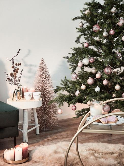 Addobbi di natale shabby chic: Albero Di Natale Shabby Chic Un Atmosfera Romantica Westwing