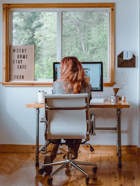 Nel caso abbiate bisogno di ricevere clienti, ad esempio, è necessario disporre di una scrivania più grande e di alcune sedie in più; 3 Idee Per L Arredamento Dello Studio In Casa Westwing