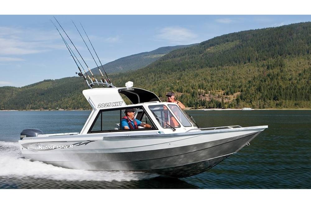 medium resolution of 2017 kingfisher boats 2025 discovery 1 2 hard top