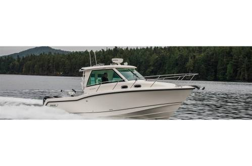 small resolution of 2019 boston whaler 315 conquest pilothouse