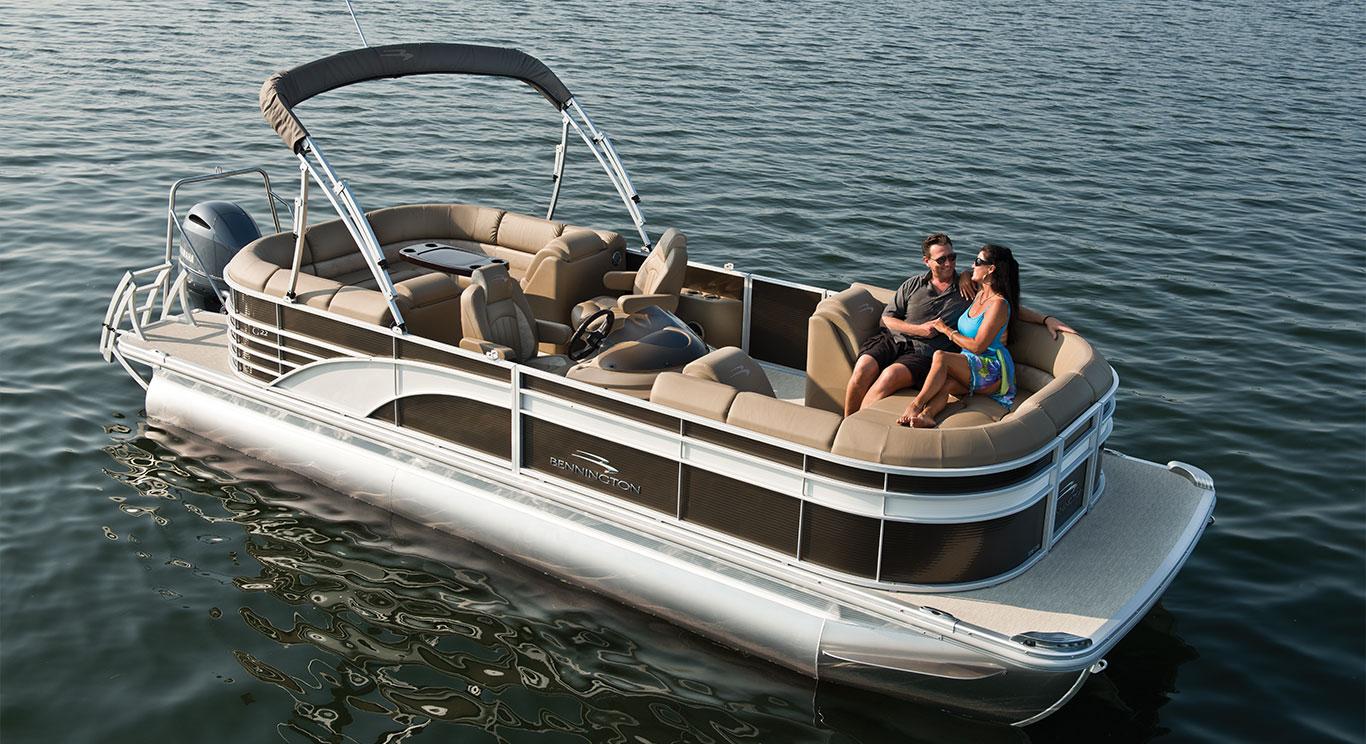 bennington pontoon boats [ 1366 x 744 Pixel ]