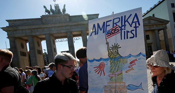Protesta contra la salida de EEUU del Acuerdo de París