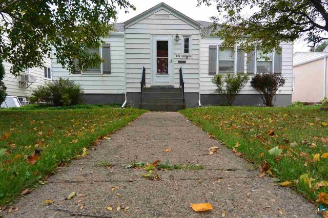 Property for sale at 914 Michigan St, Hibbing,  MN 55746