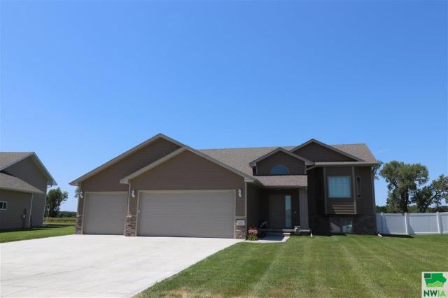 Property for sale at 193 N Churchill Cir, No. Sioux City,  SD 57049