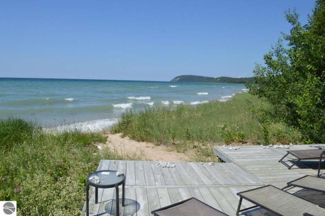 Property for sale at 584 S Manitou Trail, Lake Leelanau,  MI 49653