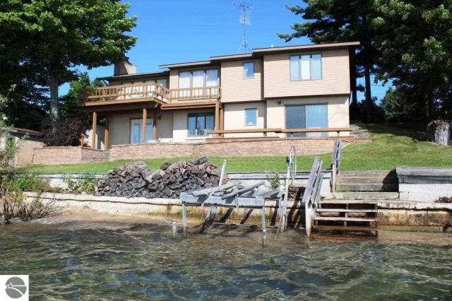 Property for sale at 486 N West Bayshore Drive, Suttons Bay,  MI 49682