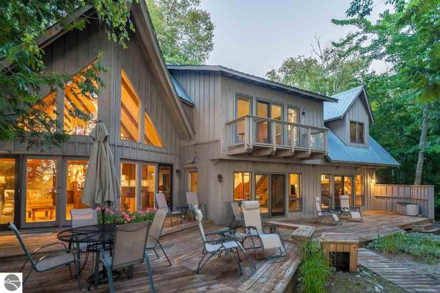 Property for sale at 6721 N O-Migisi Beach Road, Northport,  MI 49670