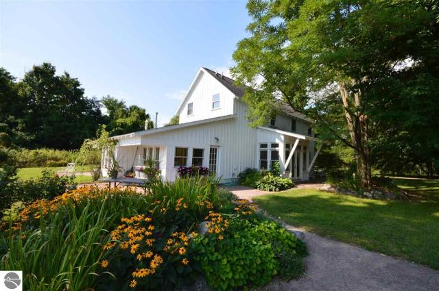 Property for sale at 1535 S Norvick Road, Suttons Bay,  MI 49682
