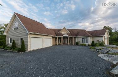 160 Deerfield Avenue, Halifax, NS B3V 1N5, 3 Bedrooms Bedrooms, ,3 BathroomsBathrooms,Residential,For Sale,160 Deerfield Avenue,201722892
