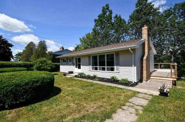 3 Ridge Avenue, Lower Sackville, NS B4C 2L5, 3 Bedrooms Bedrooms, ,2 BathroomsBathrooms,Residential,For Sale,3 Ridge Avenue,202012596