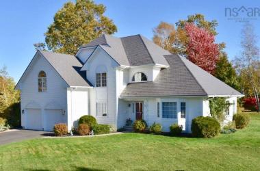 24 Acadia Drive, Kentville, NS B4N 5E1, 4 Bedrooms Bedrooms, ,4 BathroomsBathrooms,Residential,For Sale,24 Acadia Drive,202019101