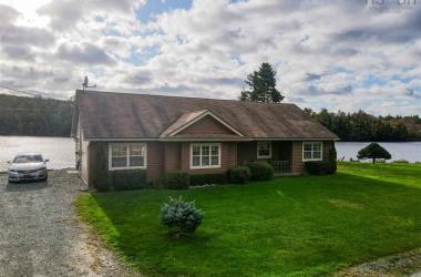 156 Pool Road, Sheet Harbour, NS B0J 3B0, 3 Bedrooms Bedrooms, ,2 BathroomsBathrooms,Residential,For Sale,156 Pool Road,202019204