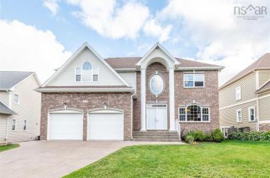215 Bently Drive, Halifax, NS B3S 0B2, 4 Bedrooms Bedrooms, ,4 BathroomsBathrooms,Residential,For Sale,215 Bently Drive,202020878