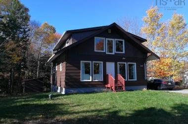 2252 Beaver Bank Road, Beaver Bank, NS B4G 1E4, 3 Bedrooms Bedrooms, ,2 BathroomsBathrooms,Residential,For Sale,2252 Beaver Bank Road,202022508