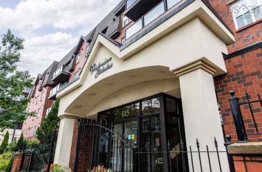 209 115 Ochterloney Street, Dartmouth, NS B2Y 4W8, 3 Bedrooms Bedrooms, ,2 BathroomsBathrooms,Residential,For Sale,209 115 Ochterloney Street,202100059